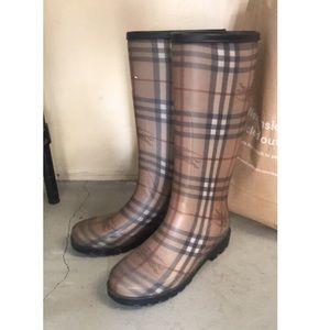 AUTH Burberry Rainboots
